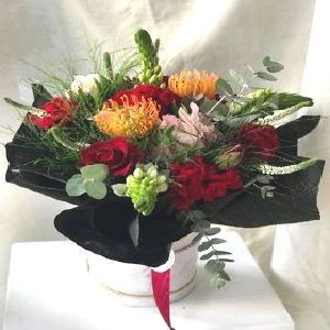 Salon Des Fleurs-Modern Water Bouquet in a round box