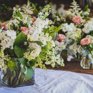 Salon Des Fleurs Five Roses In Vase