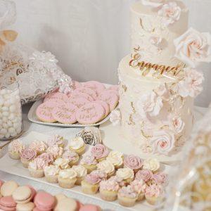 Salon Des Fleurs Sweets Arrangement