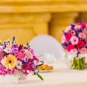 Salon Des Fleurs Vibrant Floral