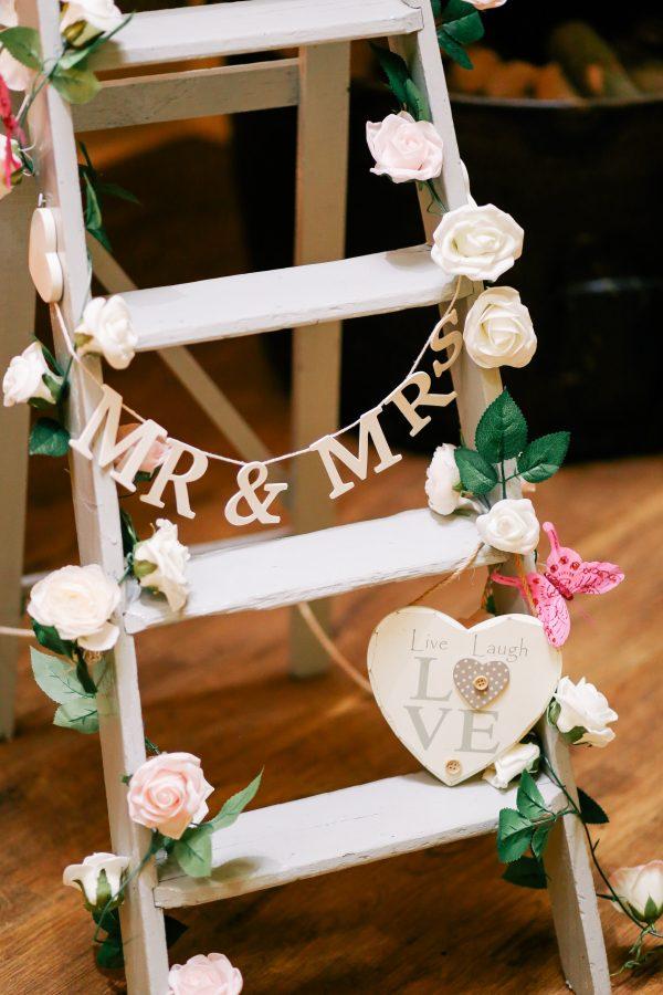 Salon Des Fleurs Wedding Arrangement