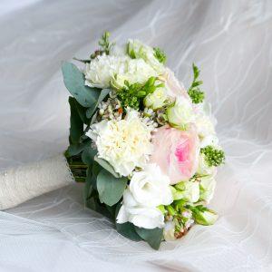 Salon Des Fleurs Wedding Bouquet