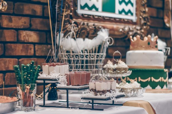 Salon Des Fleurs Wedding Cake Decoration