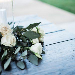 Salon Des Fleurs White Roses