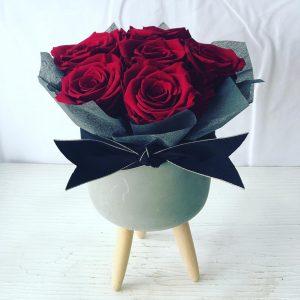 Forever Red- Salon Des Fleurs
